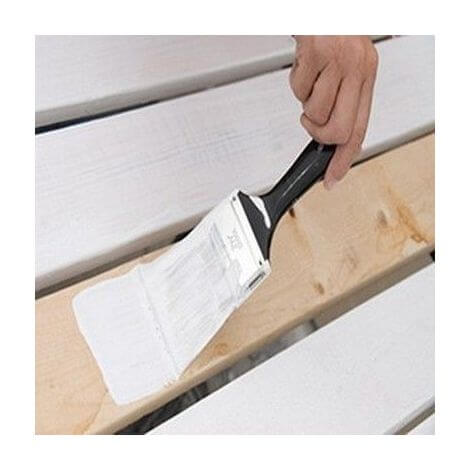 brushing oil or acrylic paint on exterior wood
